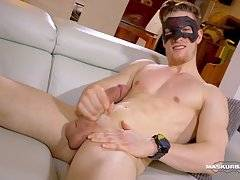 This 22 years old jock is 6 feet tall, with brown hair, blue eyes, an athletic body, an amazing smile and we must not forget his beautiful, uncut 8 incher.